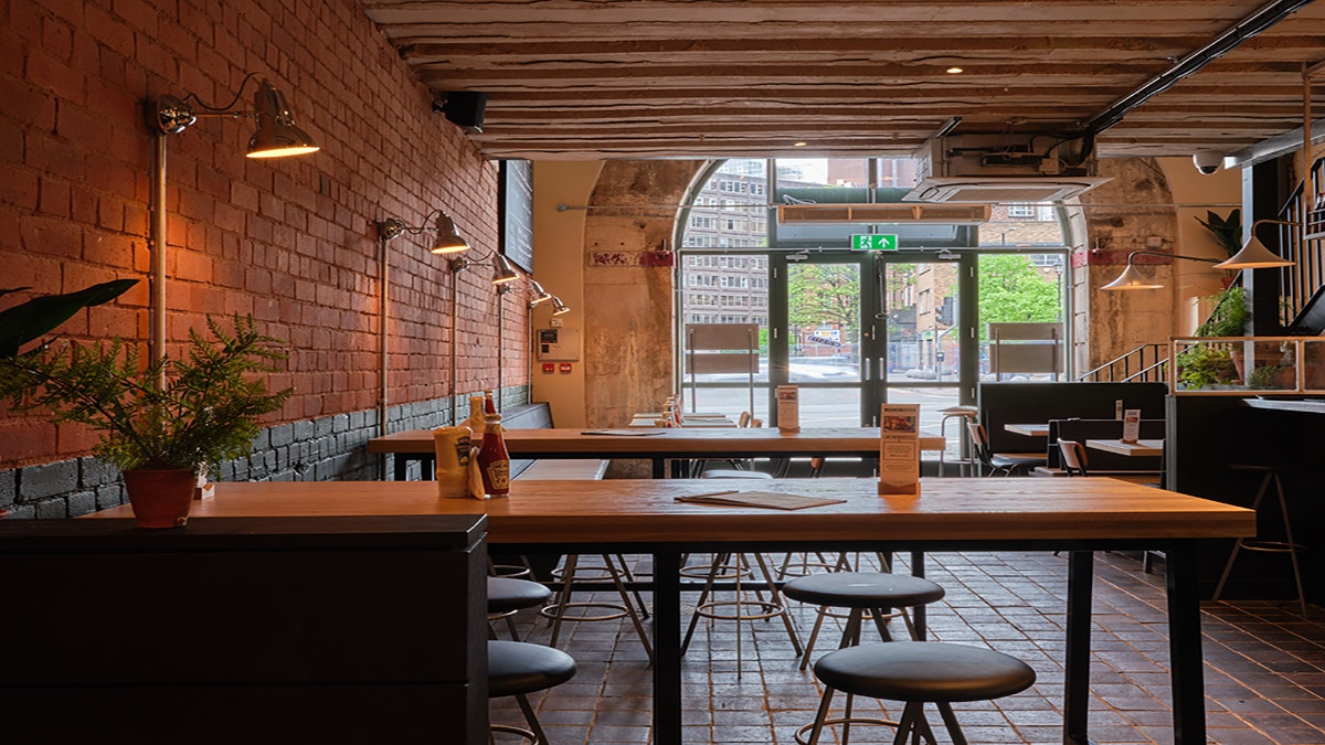 Hionest Burger Manchester, interiors, commercial